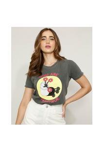 "T-Shirt Feminina Mindset Lata Com Flores You Are Magique"" Manga Curta Decote Redondo Chumbo"""