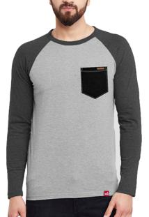 Camiseta Manga Longa Wevans Bolso Aplique Textura Preto Cinza