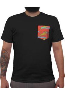 Tigre, Traço Azul, Fundo Vermelho - Camiseta Clássica Com Bolso Masculina