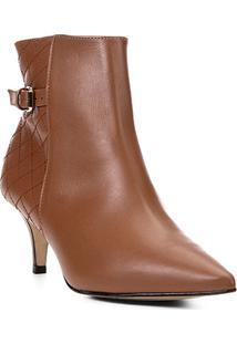 Bota Cano Curto Shoestock Kitten Heel Matelassê Feminina - Feminino-Caramelo