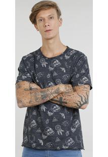 Camiseta Masculina Estampada De Caveiras Manga Curta Gola Careca Cinza Mescla Escuro