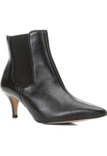 Bota Chelsea Shoestock Couro Salto Fino Feminina - Feminino-Preto