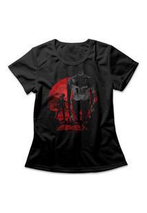 Camiseta Feminina Attack On Titan Levi Vs Beast Preto