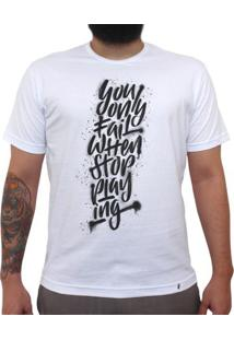 Don`T Stop Playing - Camiseta Clássica Masculina