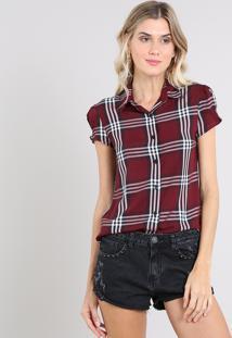Camisa Feminina Estampada Xadrez Manga Curta Vinho
