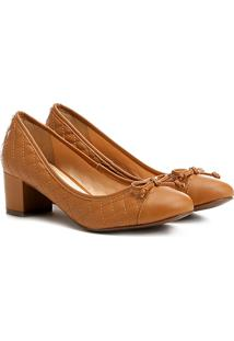 Scarpin Shoestock Salto Médio Matelassê - Feminino-Caramelo