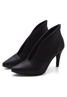 Sapato Scarpin Abotinado Salto Alto Fino Em Nobucado Preto