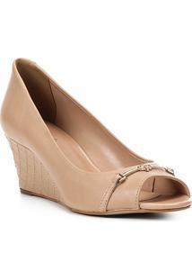 Peep Toe Couro Shoestock Anabela New Matelassê - Feminino-Bege