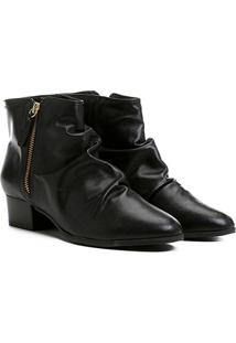 Bota Couro Shoestock Curta Enrugada Feminina - Feminino-Preto