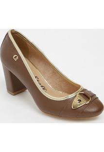 Sapato Tradicional Em Couro Com Aviamento- Marrom & Dourcarmen Steffens