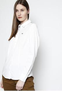 35d618cdb896b ... Camisa Slim Fit Lisa Com Bordado - Branca   Verdelacoste