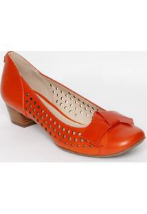 5753df21a3 ... Sapato Tradicional Em Couro Com Recortes Vazados- Laranjjorge Bischoff
