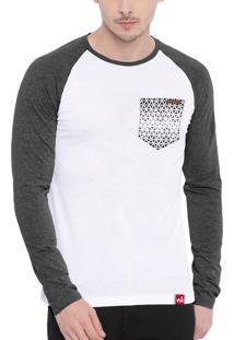 Camiseta Manga Longa Wevans Atual Bolso Aplique Geometrico Branca