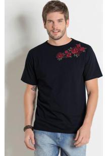 Camiseta Actual Preta Com Bordado De Rosas