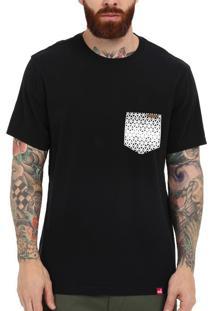 Camiseta Wevans Bolso Aplique Geométrico 31 Preto