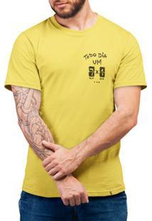 Todo Dia Um 7 A 1 - Camiseta Basicona Unissex