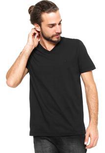 Camiseta Forum Gola V Preta