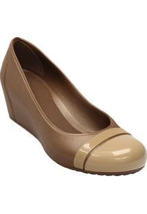 Crocs® Cap Toe Wedge Anabela- Dourada & Begecrocs
