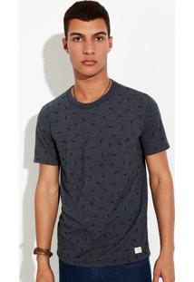 Camiseta Masculina Em Malha De Algodão Estampa Rotativa Em Modelagem Slim