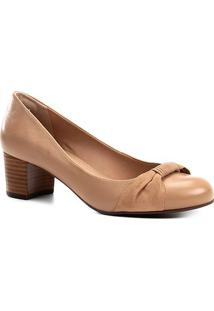 Scarpin Couro Shoestock Salto Baixo Tira - Feminino-Bege