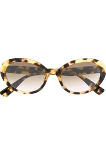 c8de62709bd74 Farfetch. Miu Miu Eyewear Oval Shaped Sunglasses - Marrom