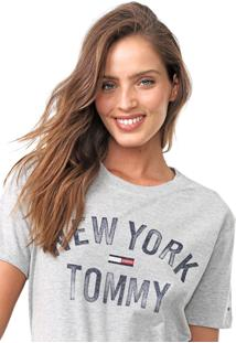 Camiseta Tommy Jeans Lettering Cinza