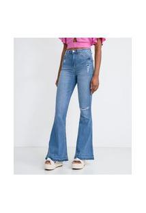 Calça Flare Jeans Com Puídos Corte No Joelho E Barra Desfeita