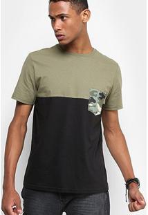 Camiseta Drezzup Color Blocking Bolso Camuflado Masculina - Masculino-Verde Militar+Preto