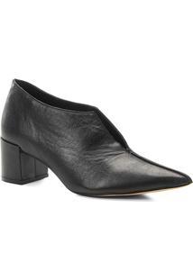 Ankle Boot Couro Shoestock Salto Bloco Recortes - Feminino-Preto