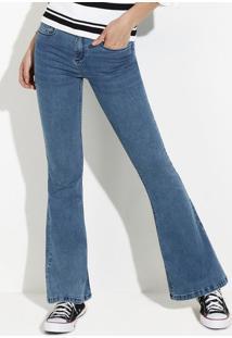 33a844594 ... Calça Jeans Feminina Flare Em Algodão Com Lavação Estonada
