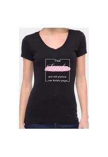 Camiseta Suffix Preta Gola V Estampa Tão Linda Que Parece Até Boleto Pago