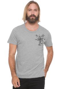 Camiseta Sommer Floral Cinza