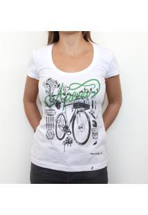 Apenas - Camiseta Clássica Feminina