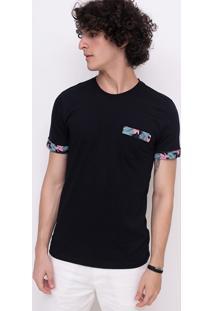 Camiseta Com Bolso E Floral Nas Mangas