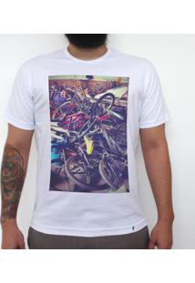 Broken Bycicles - Camiseta Clássica Masculina