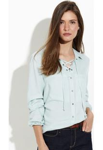 Camisa Feminina Em Tecido De Viscose Com Detalhe De Ilhós