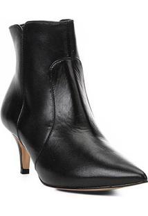 Bota Cano Curto Shoestock Kitten Heel Couro Feminina - Feminino-Preto