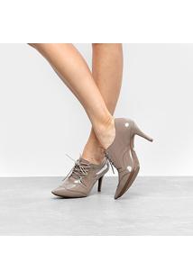 Ankle Boot Couro Jorge Bischoff Salto Fino Com Amarração Verniz - Feminino-Nude