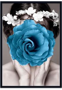 Quadro 60X90Cm Amália Mulher Com Flor Azul Nórdico Moldura Preta Com Vidro