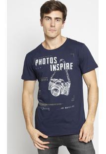 """Camiseta """"Photos Inspire""""- Azul Marinho & Branca- Cococa-Cola"""