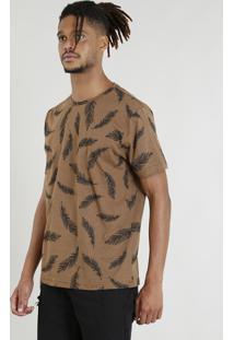 Camiseta Masculina Estampada De Penas Manga Curta Gola Careca Caramelo