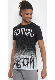 Camiseta Alongada Fatal Estampada Respingo Masculina - Masculino-Preto