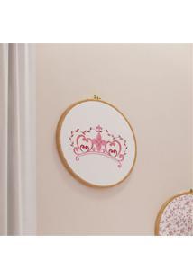 Quadro Bastidor Bordado Coroa Princesinha Grão De Gente Rosa