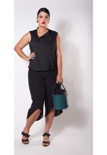 Blusa Kapsuli Plus Size Decote Assimétrico Preta