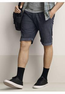 Bermuda Masculina Em Tecido Texturizado De Algodão Com Barra Dobrada