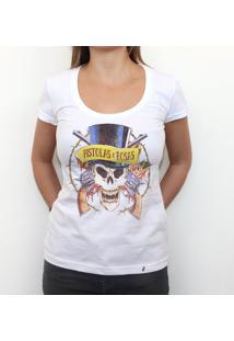 Pistolas E Rosas - Camiseta Clássica Feminina