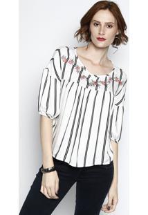... Blusa Listrada Com Bordado- Branca   Preta- Cativacativa 405d6992b2c