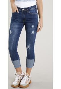 Calça Jeans Feminina Cropped Com Puídos Barra Virada Azul Escuro