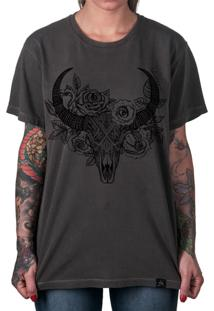 Camiseta Artseries Caveira De Boi Com Flores Dead Ox Cinza