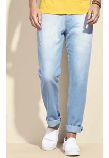 Calça Jeans Masculina Na Modelagem Slim Com Puídos